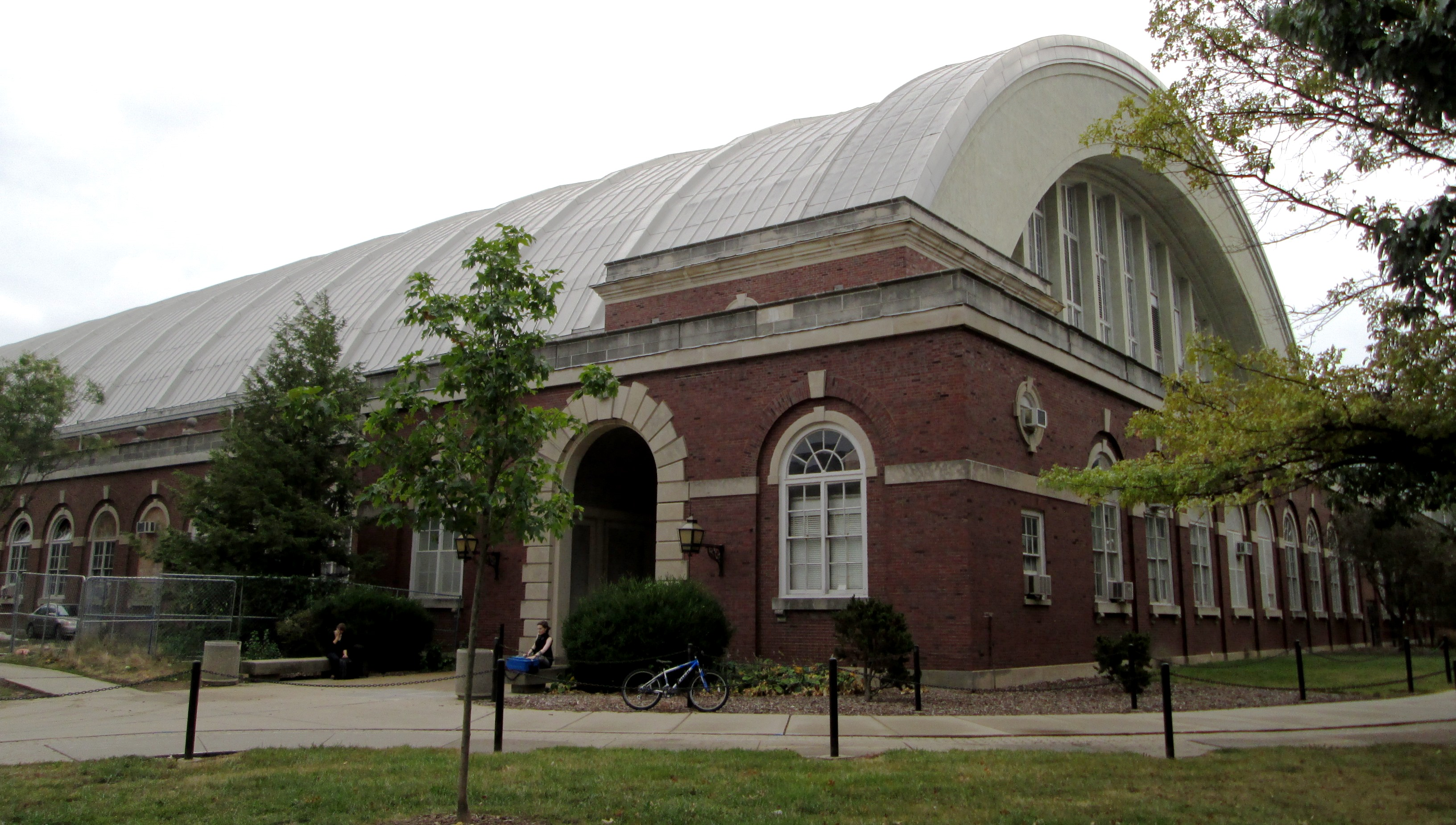 File:Armory University of Illinois at Urbana-Champaign from north.jpg ...