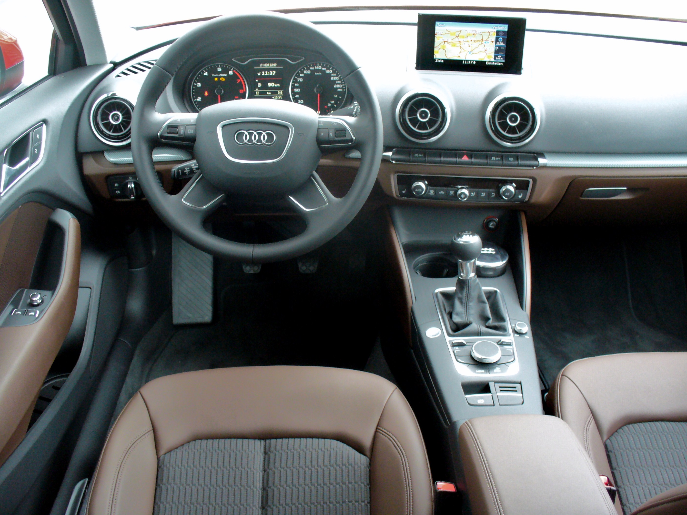 File audi a3 8v 1 4 tfsi ambiente misanorot interieur jpg for Interieur wikipedia