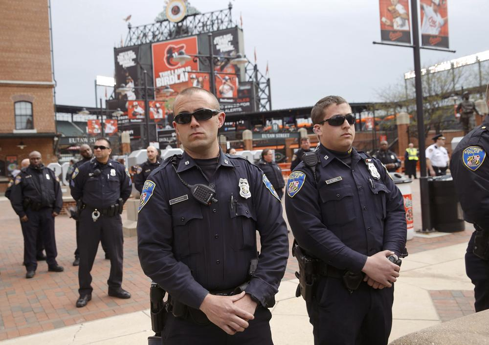 https://upload.wikimedia.org/wikipedia/commons/e/e3/Baltimore_Police_Officers_at_Camden_Yards.jpg