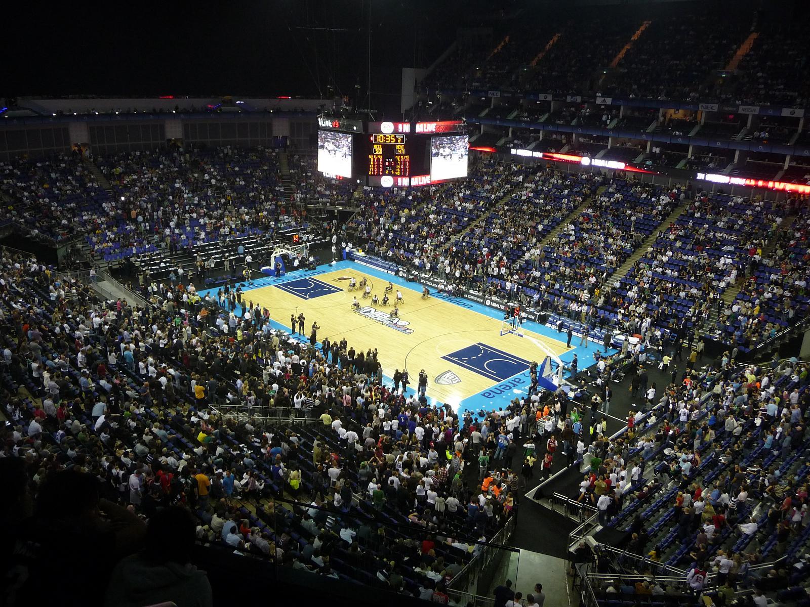 File Basket Ball At The O2 Arena Jpg Wikipedia