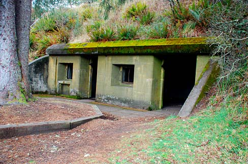 Battery Russell (Clatsop County, Oregon scenic images) (clatDA0013).jpg