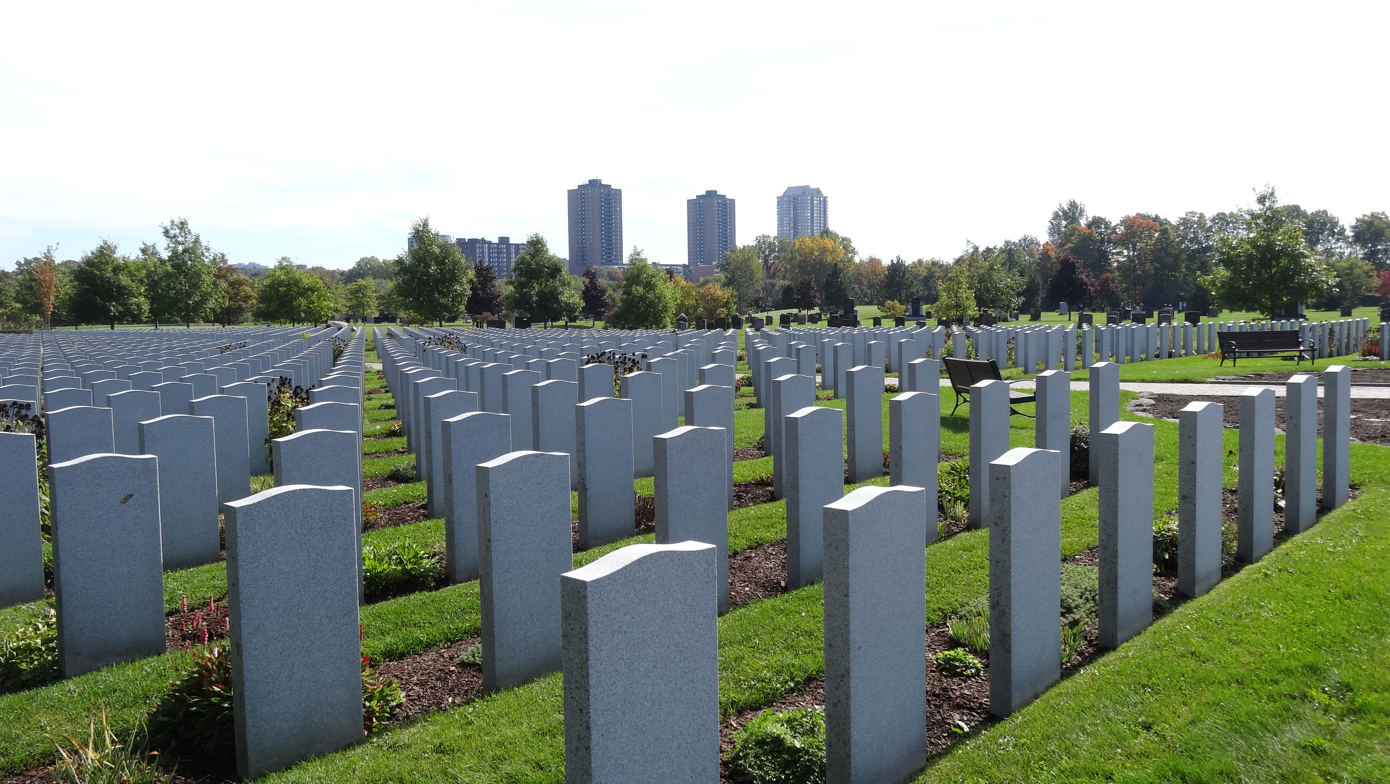 File:Beechwood Cemetery, the home of Canada's National Military Cemetery.jpg  - Wikimedia Commons