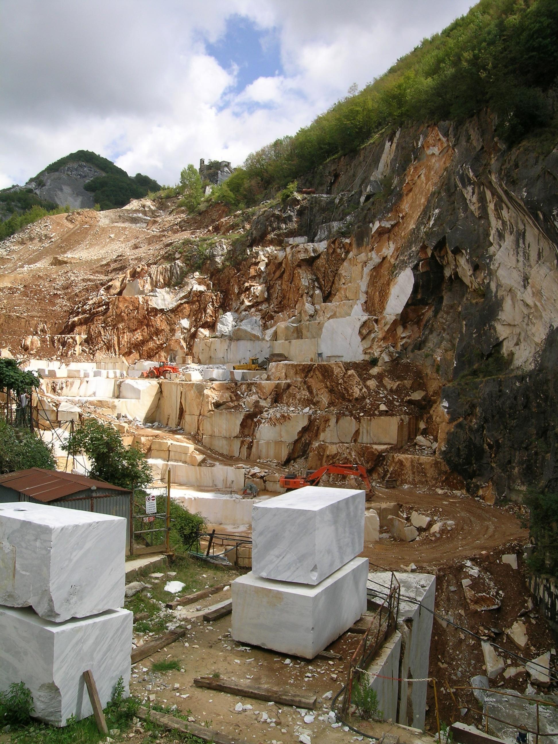 Carrara marble - Wikipedia
