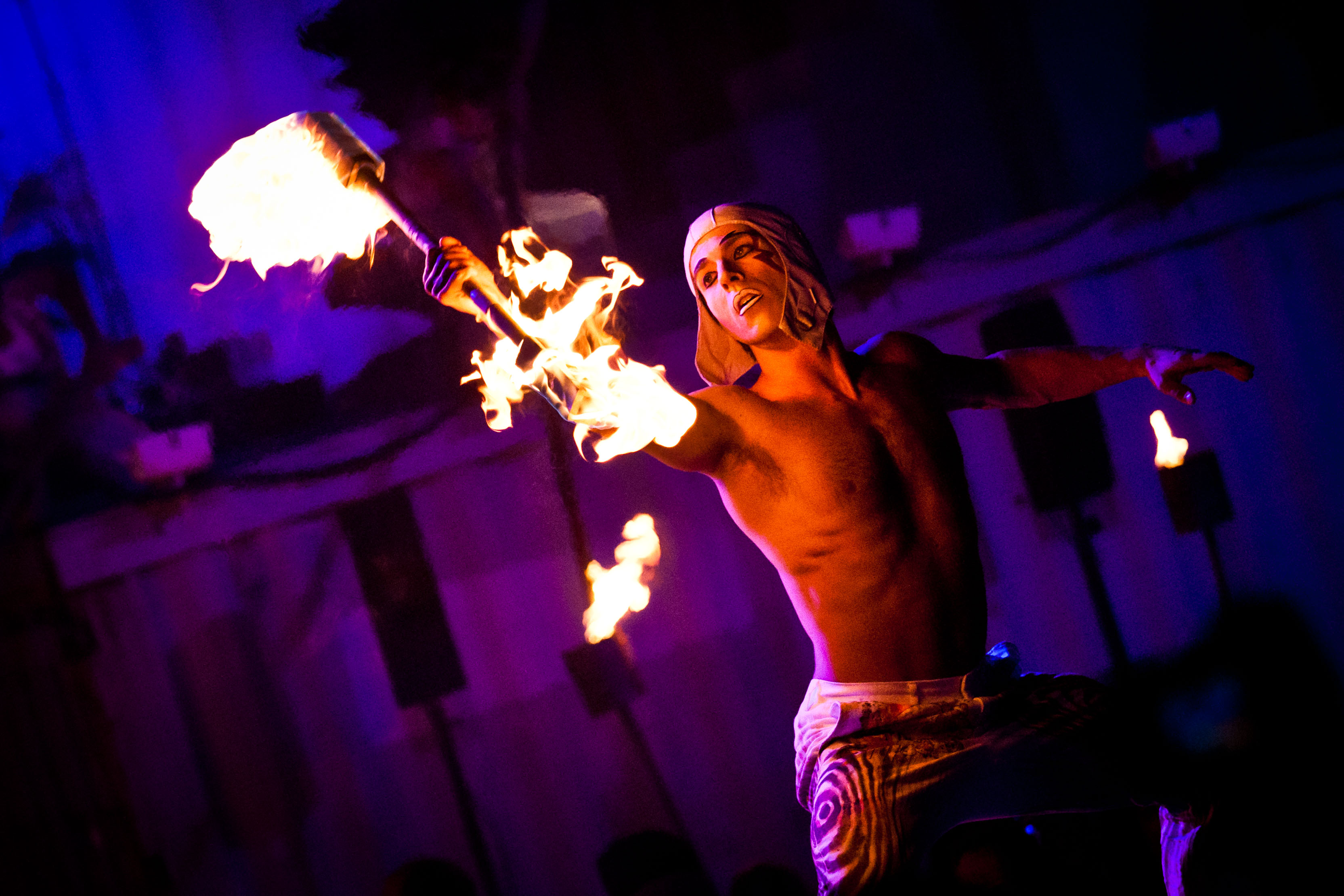 le cirque du soleil Uno de los espectáculos más visitados en las vegas es cirque du soleil, un espectáculo que maravilla a todo el mundo, pero el show representa para quienes en el.