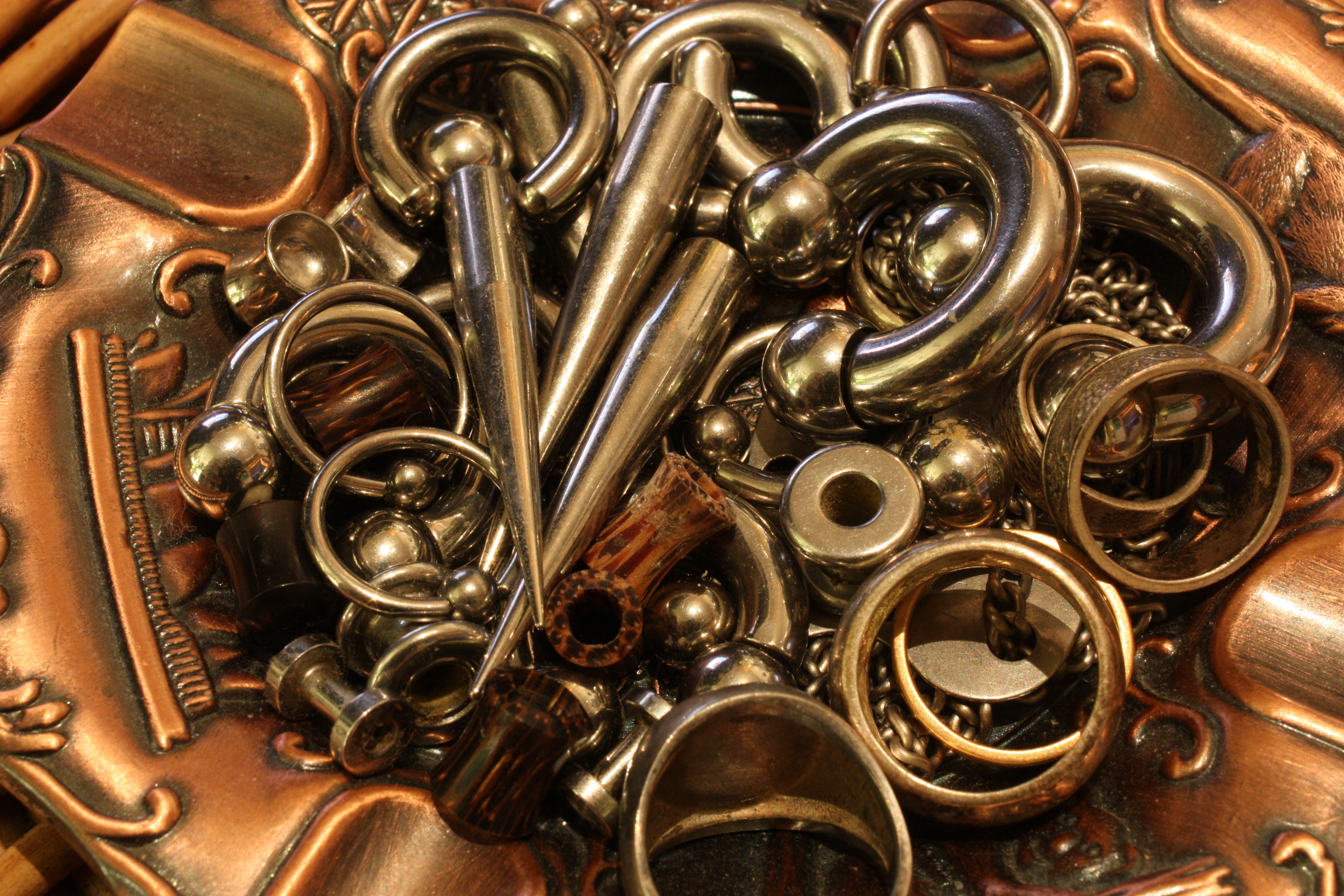 filecollection of body piercing jewelleryjpg wikimedia