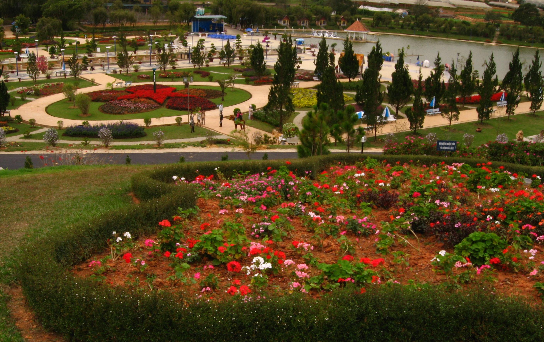 File:Da Lat Flower Park 1.jpg - Wikimedia Commons