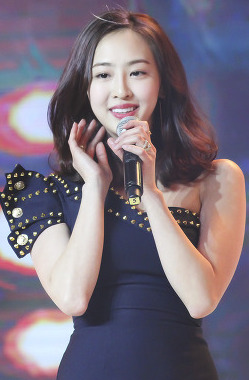 Dasom at D&S 20th Anniversary Ceremony (cropped).jpg