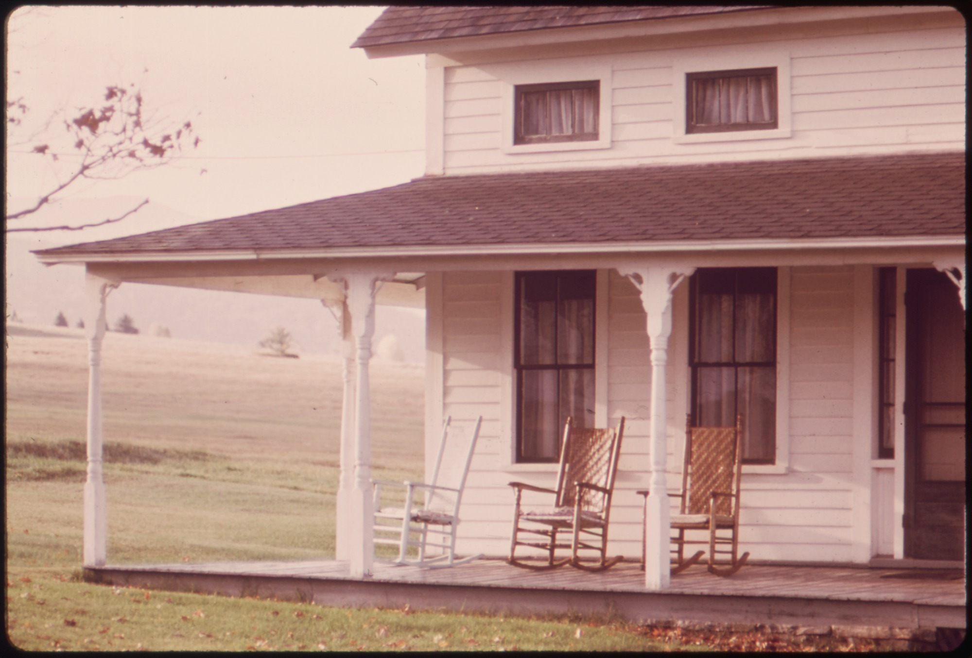 File:EMPTY ROCKING CHAIRS ON AN OLD FARMHOUSE PORCH ON ROUTE 73   NARA