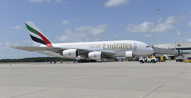 File:Emirates A380 A6-EOM at MCO-Orlando International Airport on 1-Sep-2015.jpg