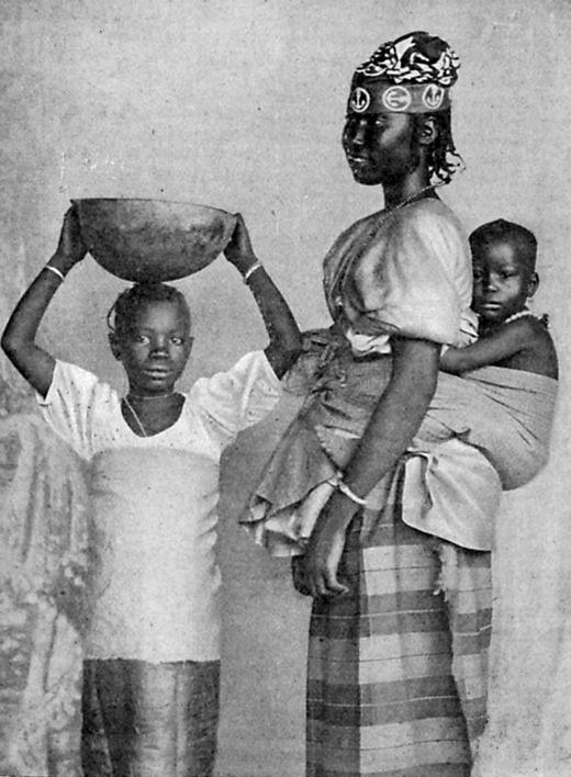 File:Femme oulove et ses enfants-1902.jpg - Wikimedia Commons