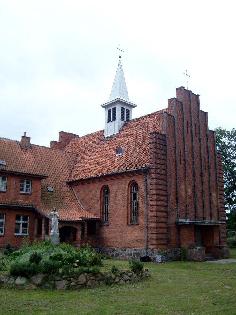 Gardeja_church.jpg