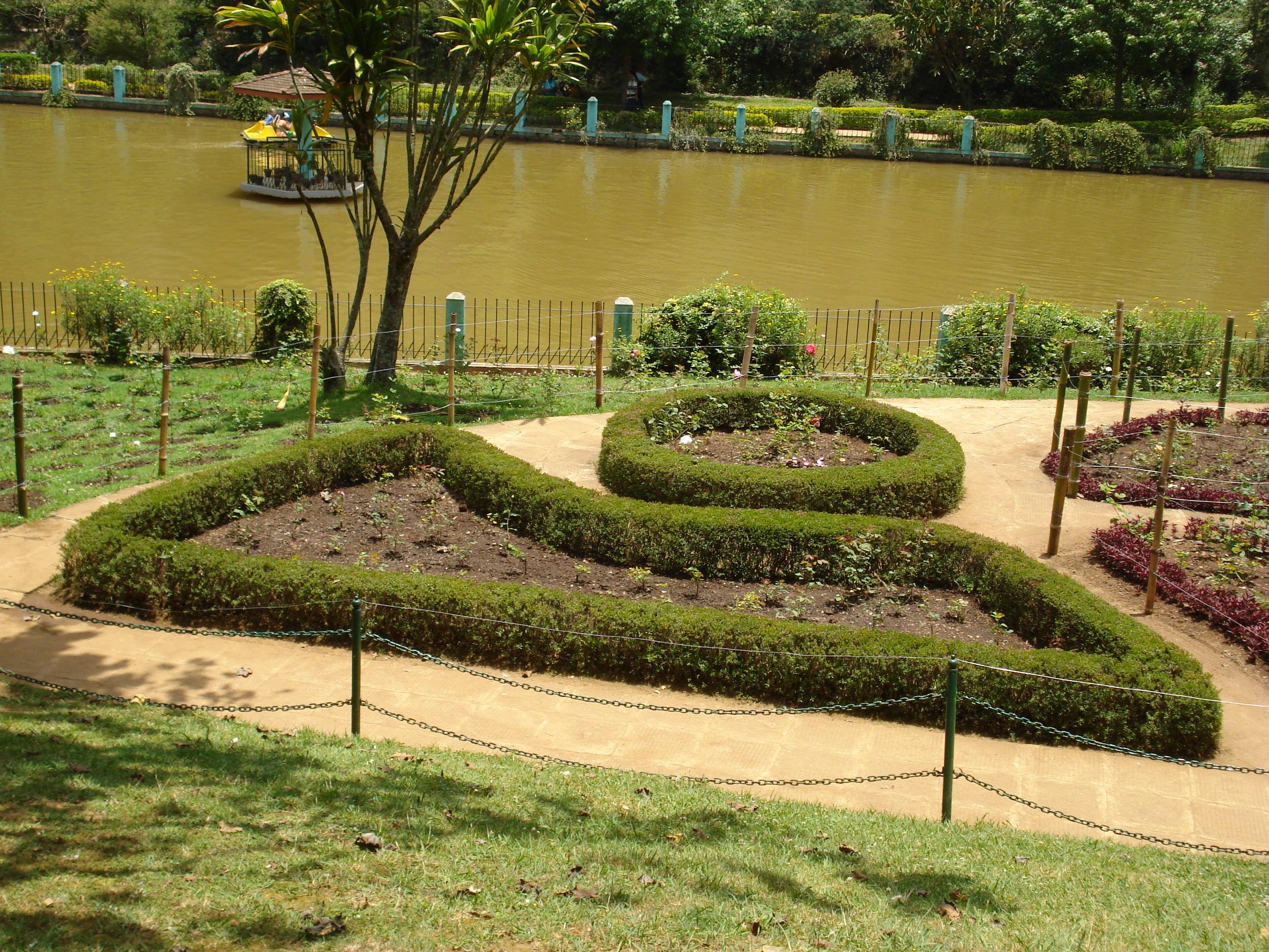 Gartendesign  File:Garten-Design bei Sim's Park, Coonoor.JPG - Wikimedia Commons