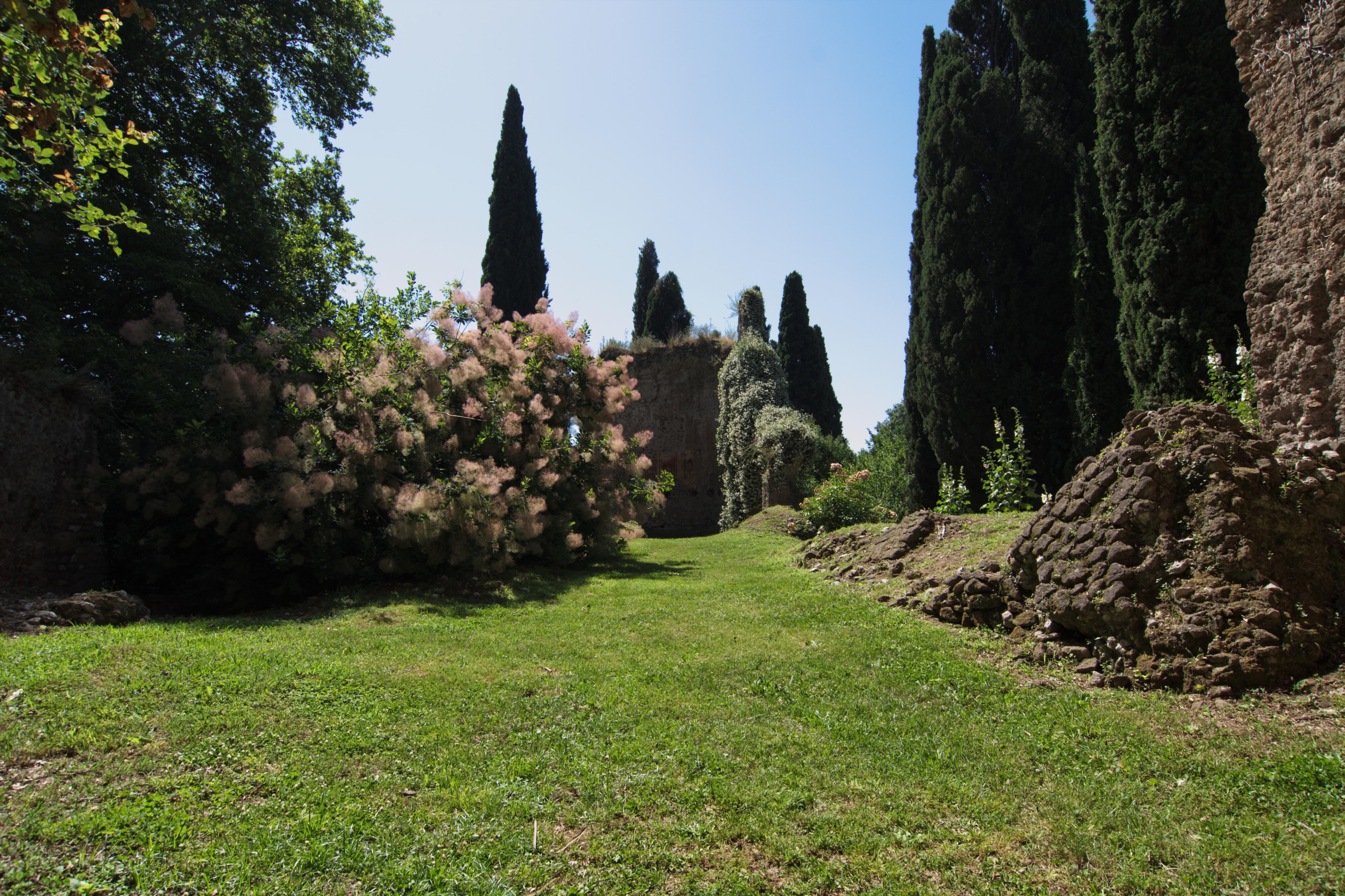 File Giardino Di Ninfa Chiesa Di Santa Maria Maggiore