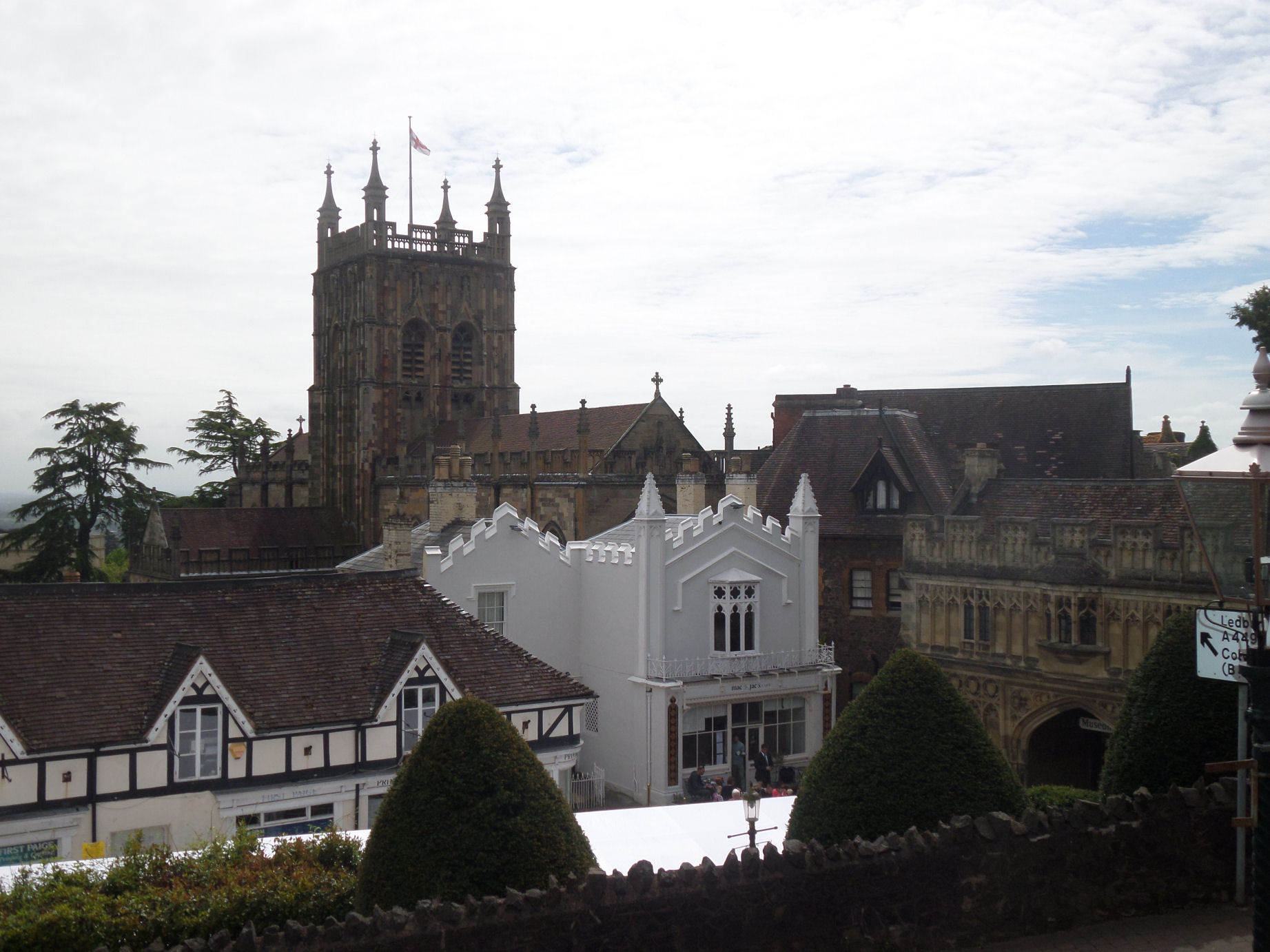 File great malvern from bellevue wikishire for The terrace top date