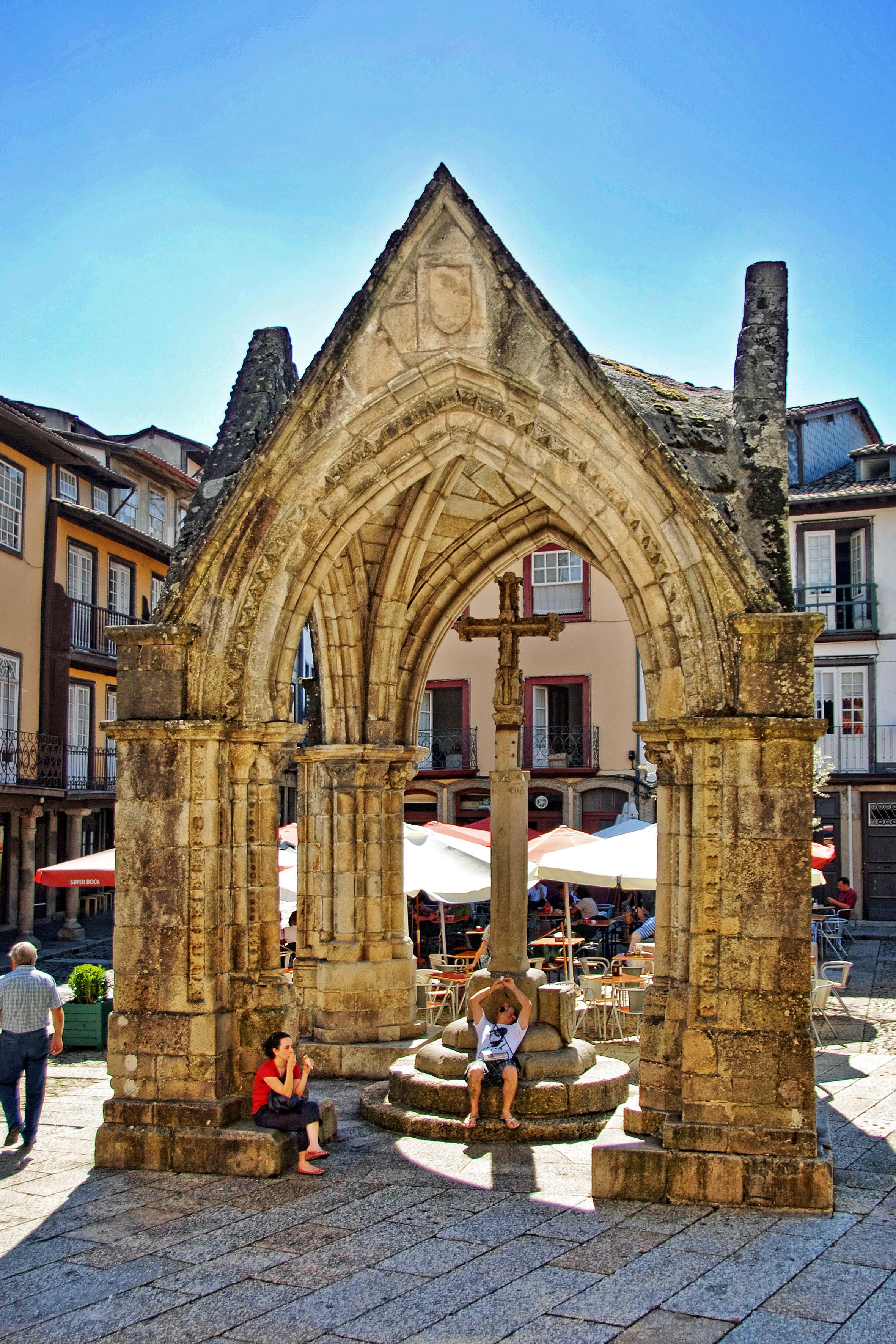 Archivo:Guimarães - Padrão Comemorativo da Batalha do Salado (1 ...