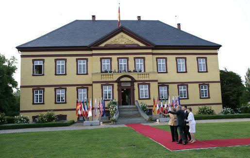 File:Gut Hohen Luckow, G8 2007.jpg