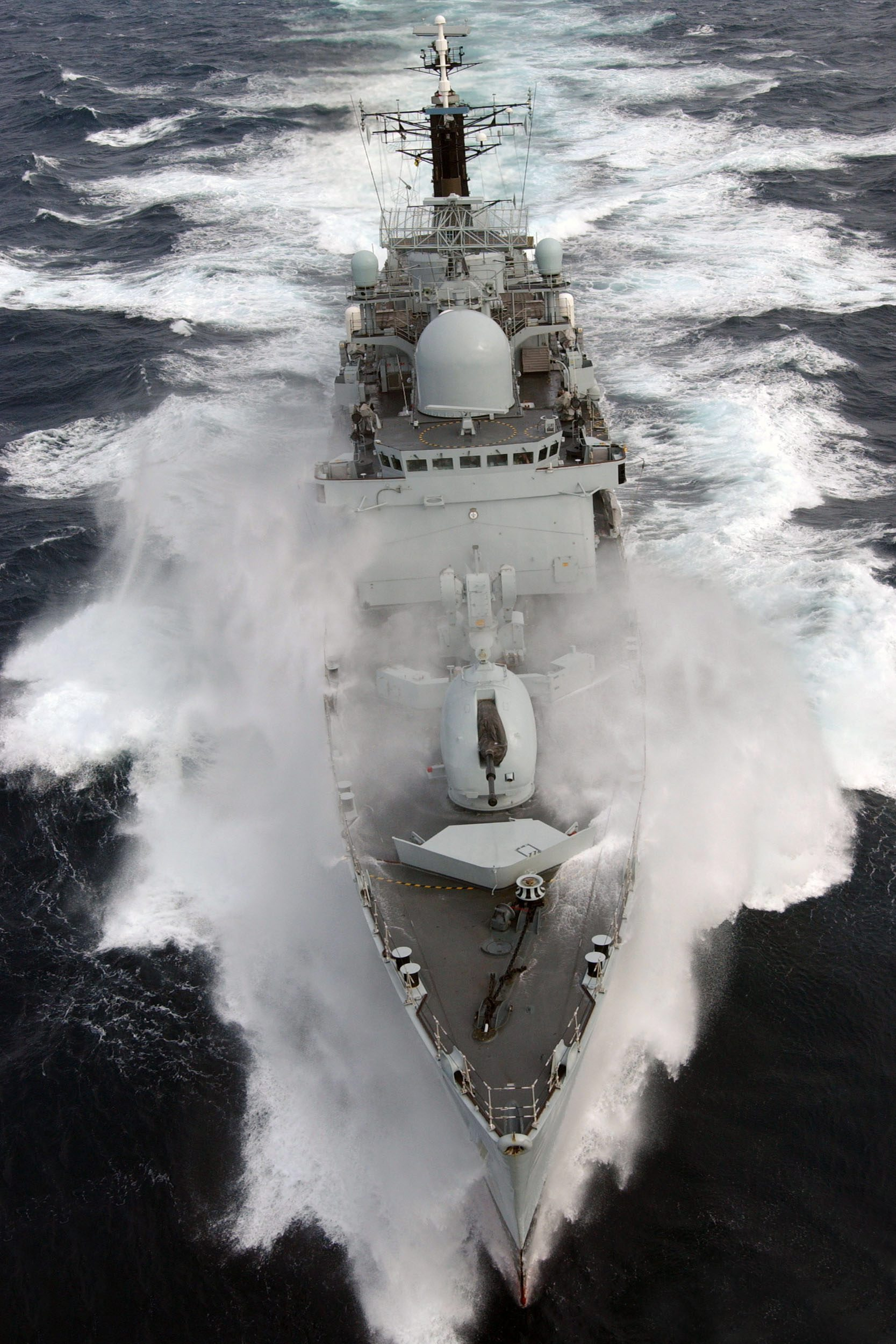 File:HMS Nottingham braves rough Atlantic seas. MOD ...