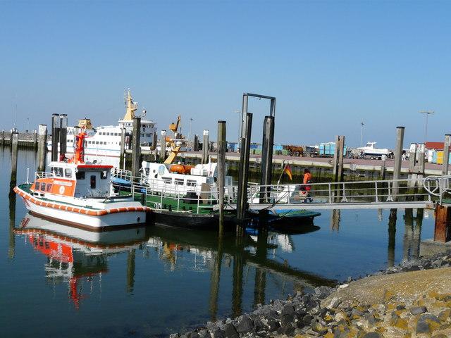 File:Hafen Westdorf auf Baltrum (Westdorf harbour on Baltrum) - geo.hlipp.de - 3713.jpg