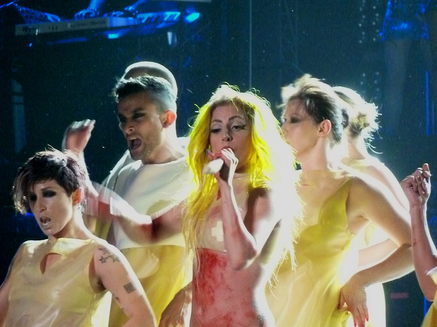 http://upload.wikimedia.org/wikipedia/commons/e/e3/Lady_Gaga_BTW_01.jpg