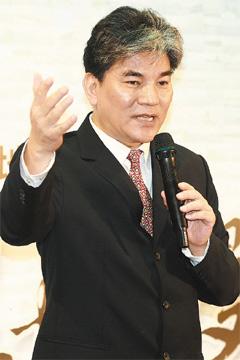 Lee Hong-yuan 20120212.jpg