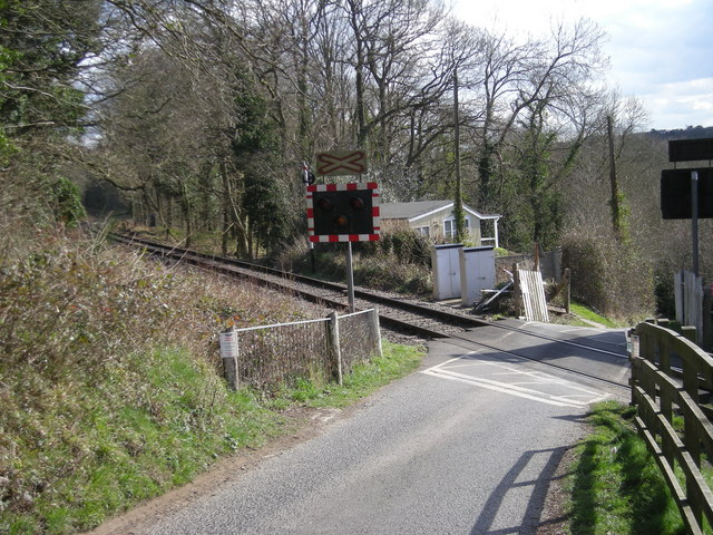 Level crossing at Northwood Halt - geograph.org.uk - 741290