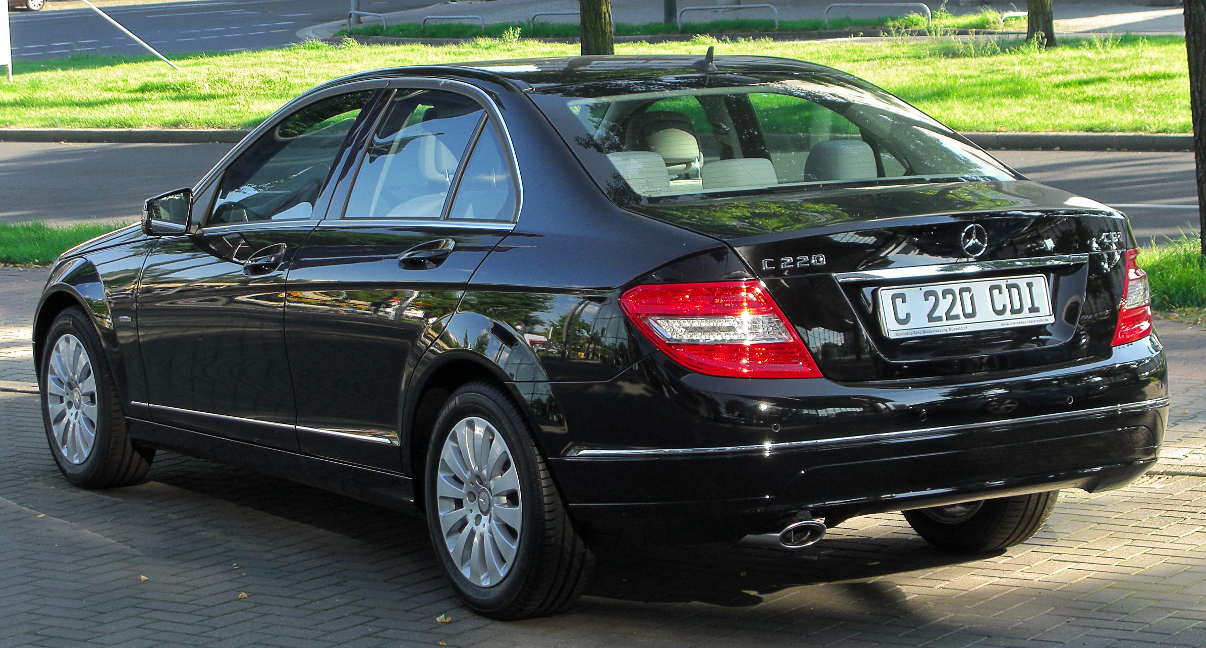 file mercedes c 220 cdi blueefficiency elegance w204 rear. Black Bedroom Furniture Sets. Home Design Ideas