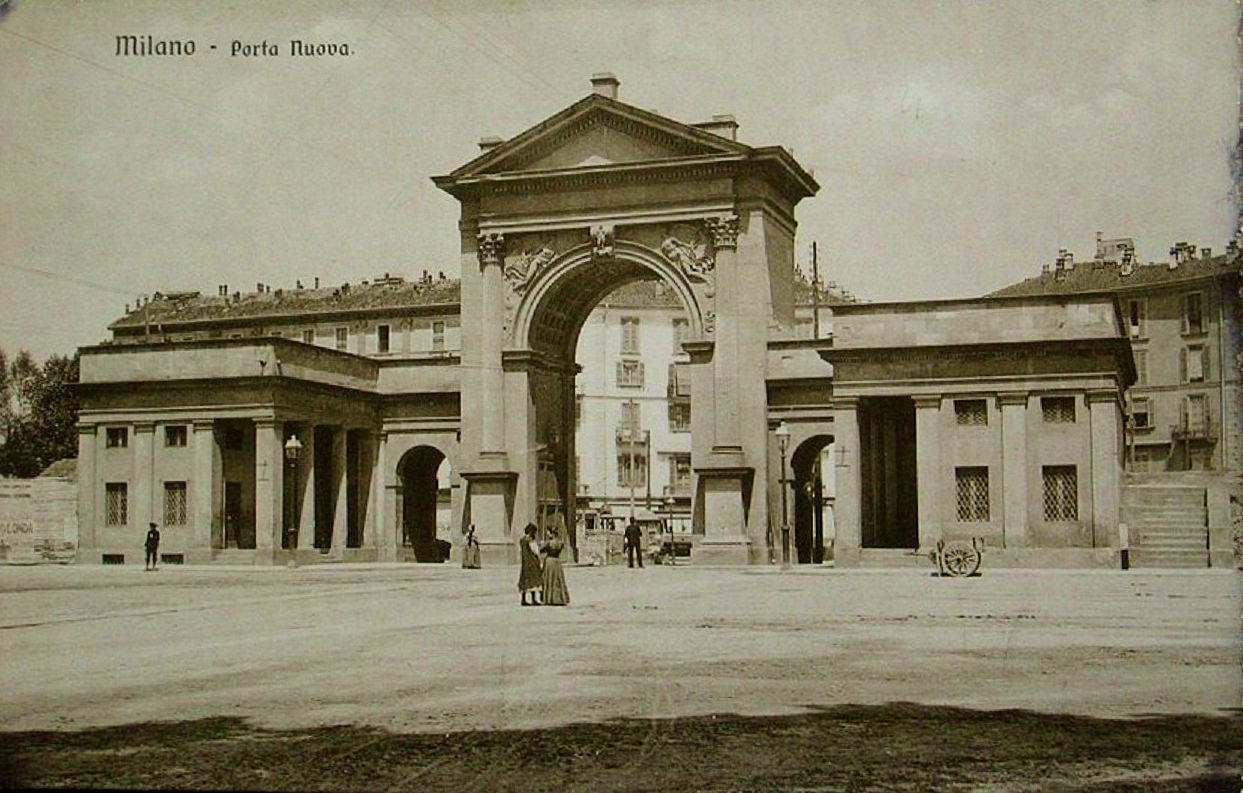 https://upload.wikimedia.org/wikipedia/commons/e/e3/Milano,_Porta_Nuova_01.jpg