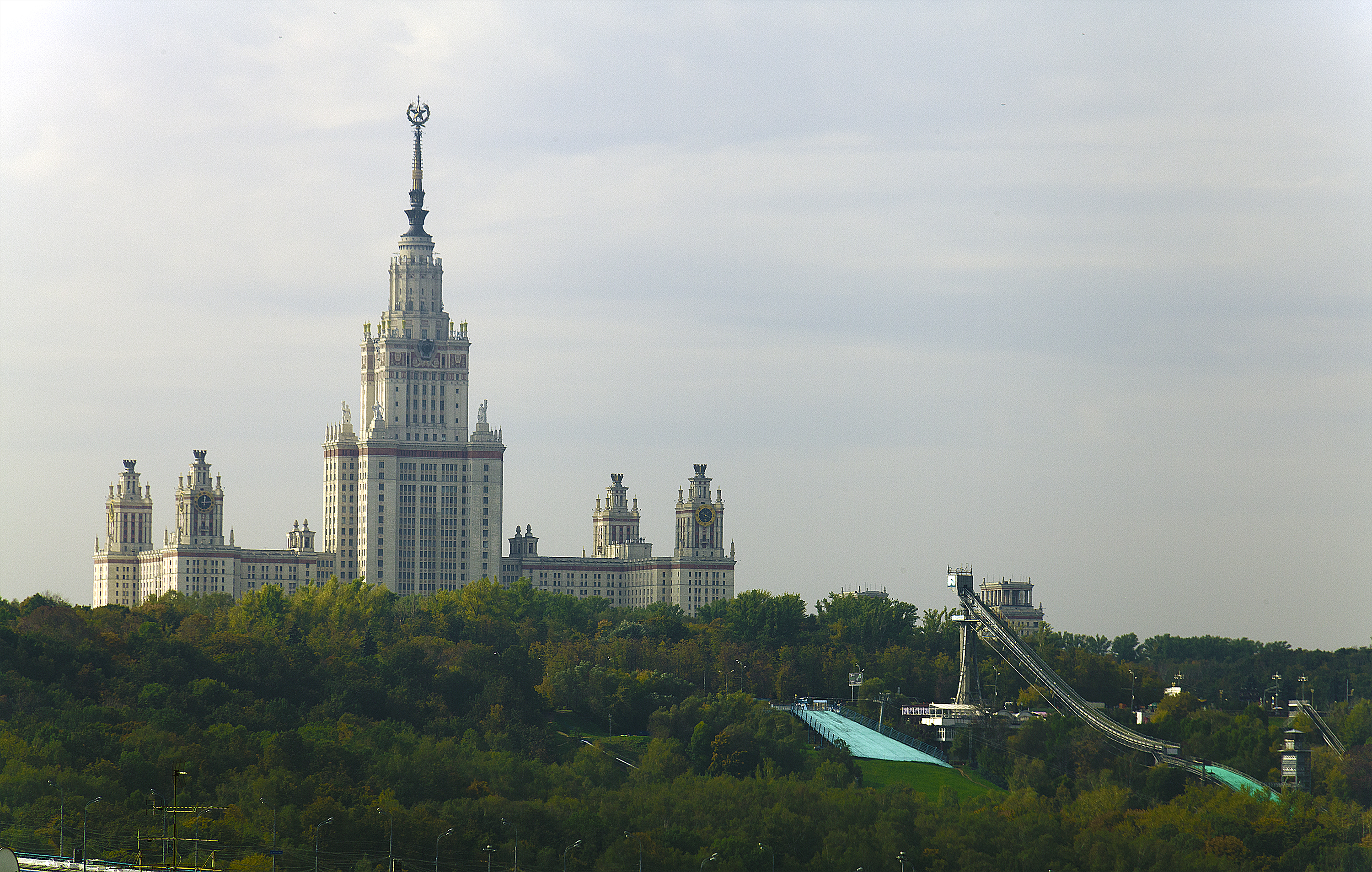 Moscow university and trampoline.jpg Русский: МГУ. Трамплин Date 22 September 2012, 12:15 Source Moscow university and trampoline Author Pavel Kazachkov