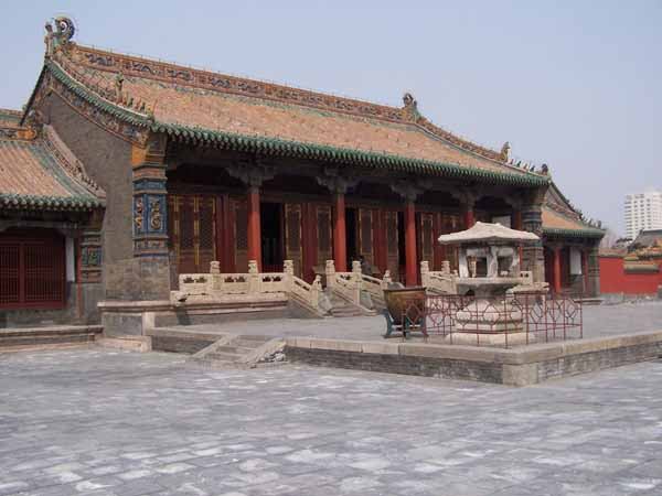 the Chongzheng Hall inside the Shenyang Imperial Palace