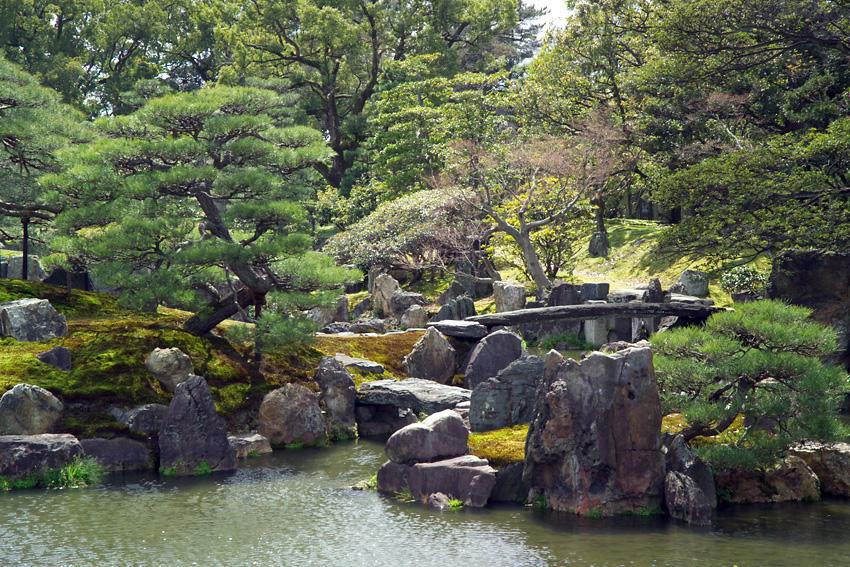 Jardin du château de Nijō à Kyōto (Japon). (définition réelle 850×567*)