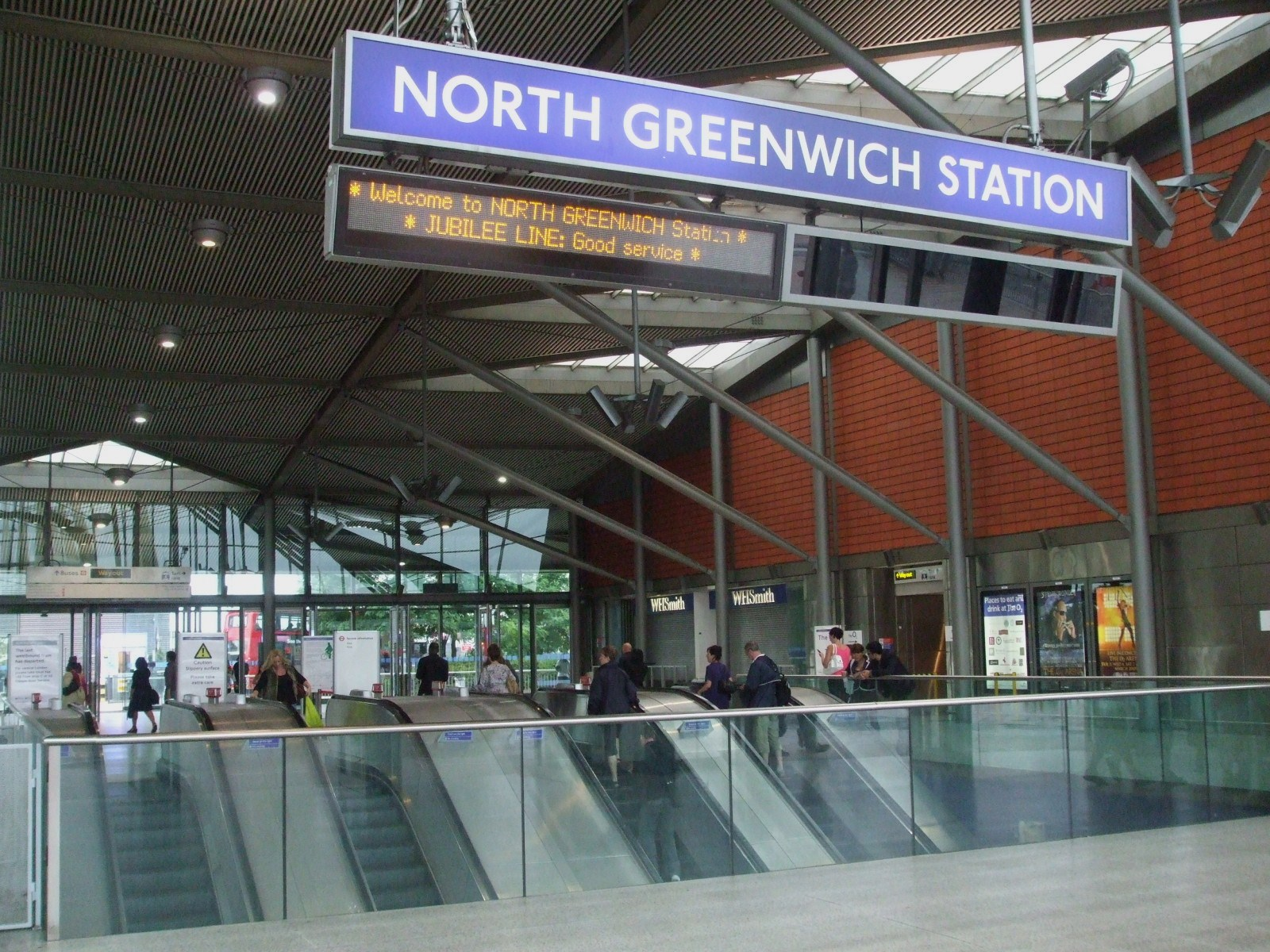 opinions on north greenwich tube station. Black Bedroom Furniture Sets. Home Design Ideas