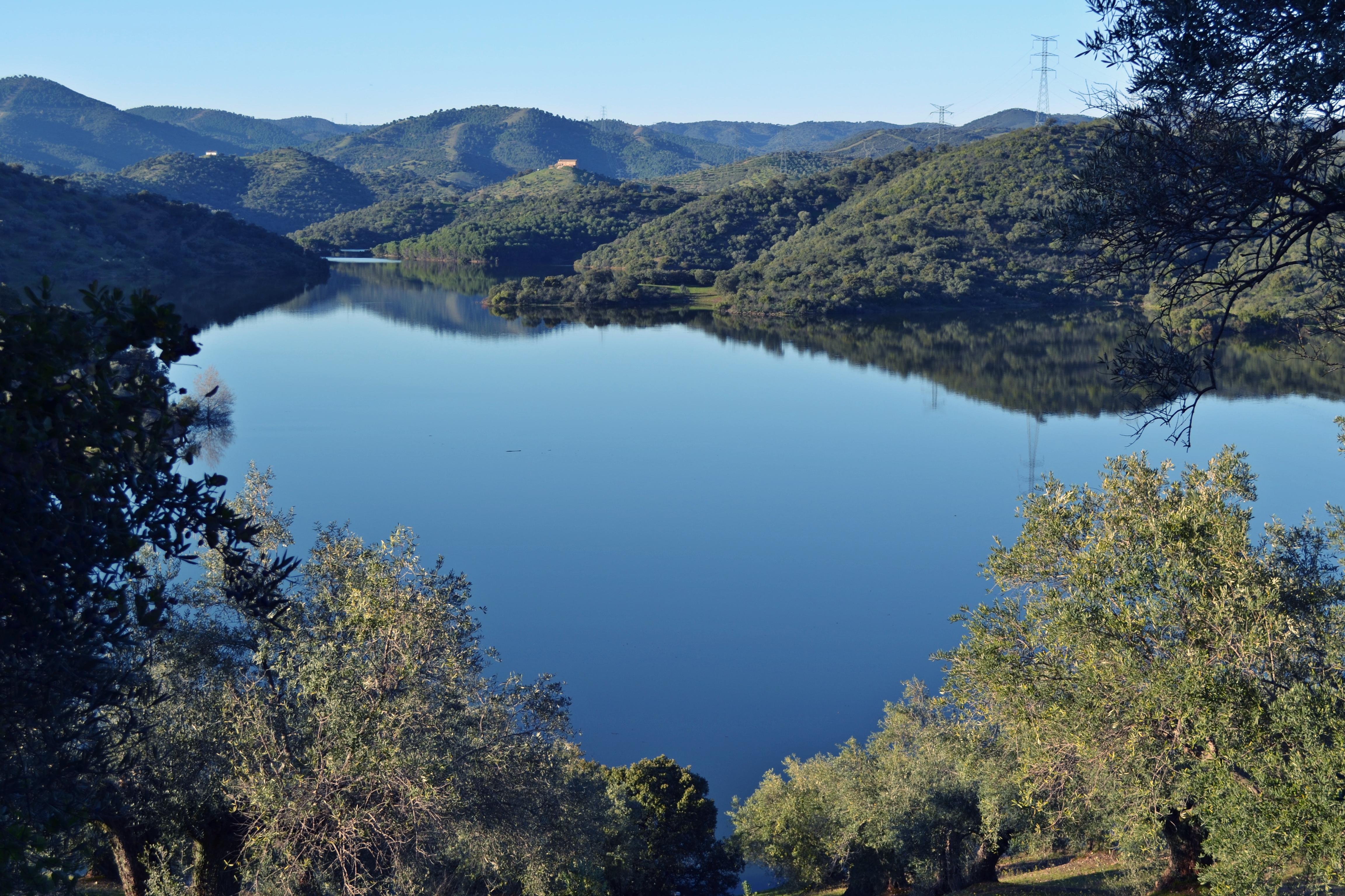 Archivo:Pantano del Yeguas. Parque Natural Sierra de Cardeña y ...
