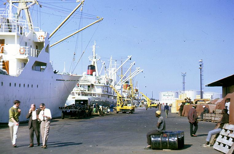 File:PortDakar1967.jpg