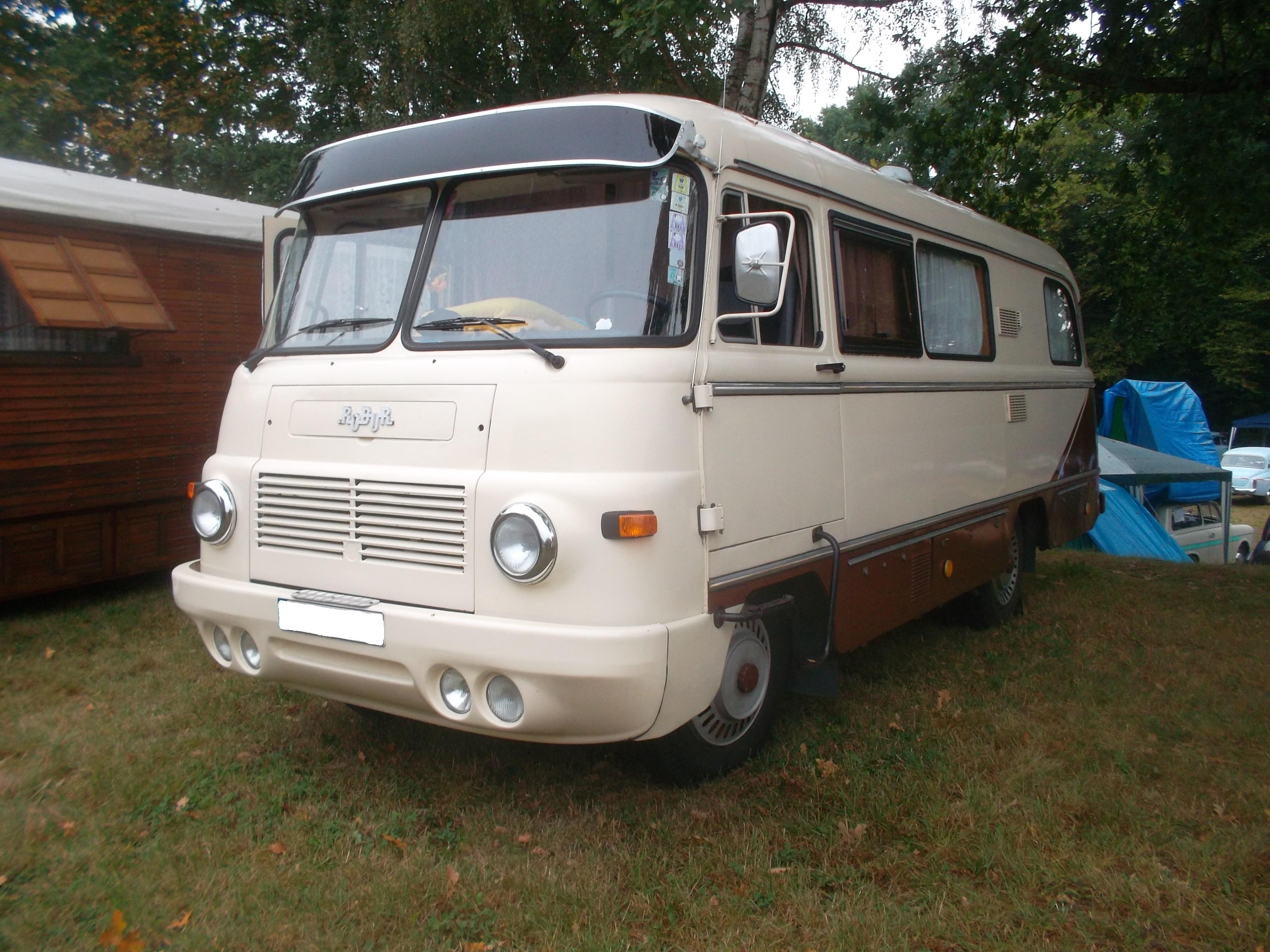 File:Robur LO 10 B 10 Wohnmobilbus (side).jpg - Wikimedia Commons