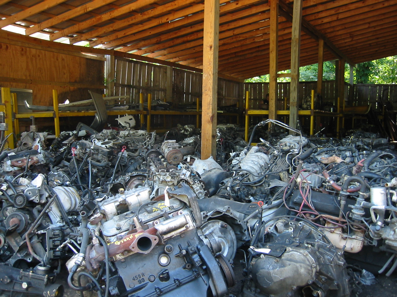 File:Scrapped Engines at a Junkyard.jpg - Wikimedia Commons