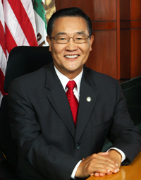 Steven Choi Official City Portrait.jpg