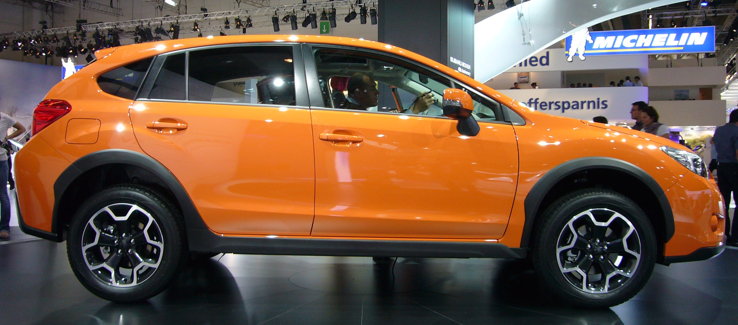 File Subaru Xv Side Jpg Wikimedia Commons