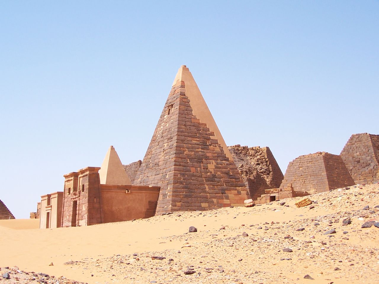 the pyramids of sudan The meroitic language was spoken in meroë and the sudan during the meroitic period labelled map of the pyramids at meroe sudan's forgotten pyramids - bbc news.