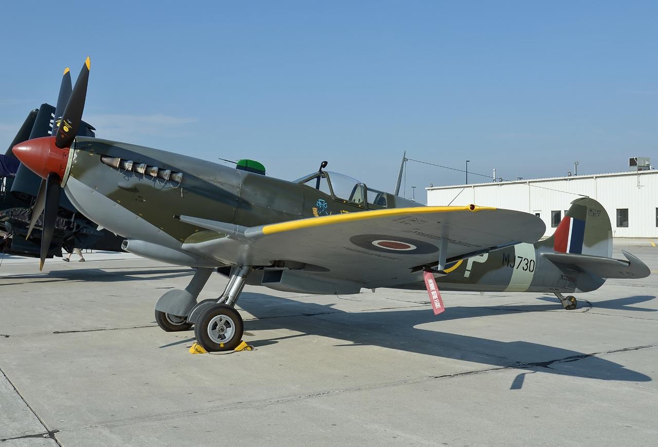 File:Supermarine Spitfire Mk.IX, Private JP7641277.jpg ...