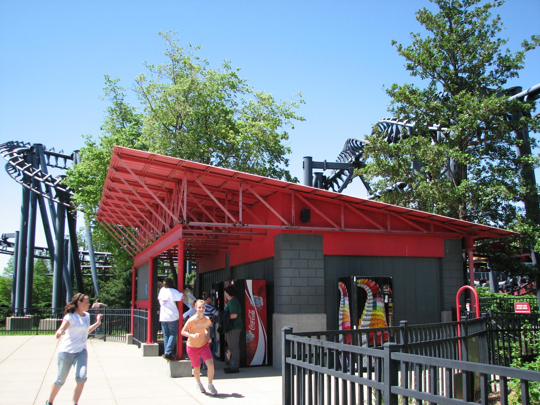 Six Flags Kentucky Kingdom Abandoned File:t2 at Six Flags Kentucky