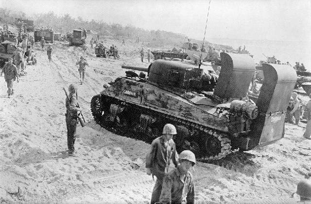 File:Tanks on beach tinian lg.jpg