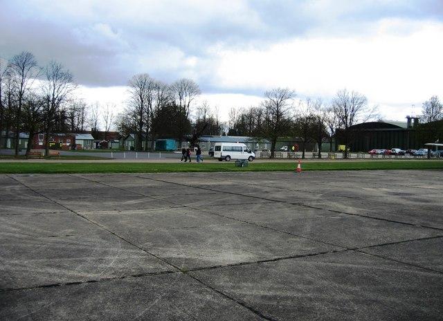 File:The Missing Hangar - geograph.org.uk - 770361.jpg