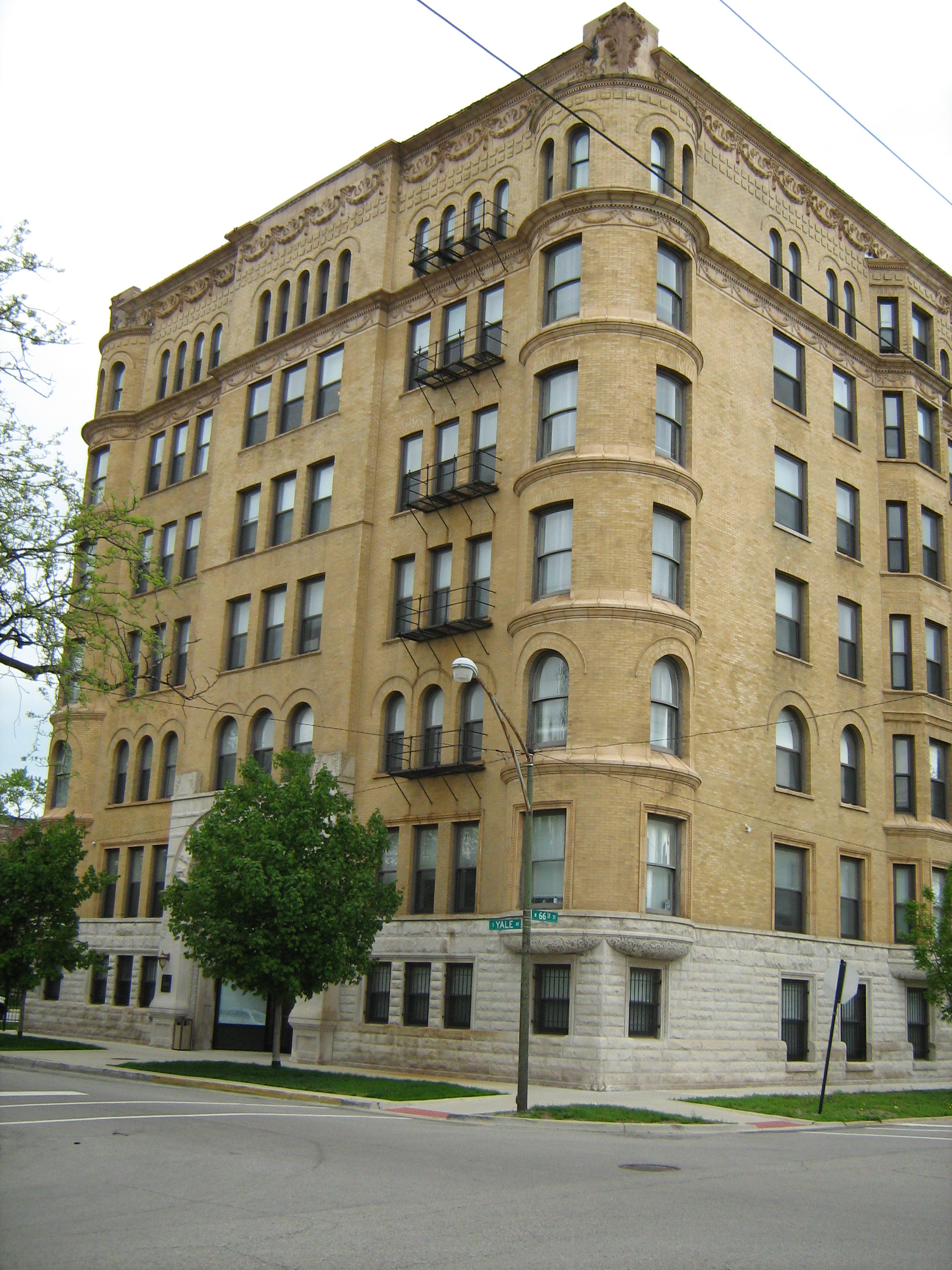 file the yale apartments jpg wikimedia commons