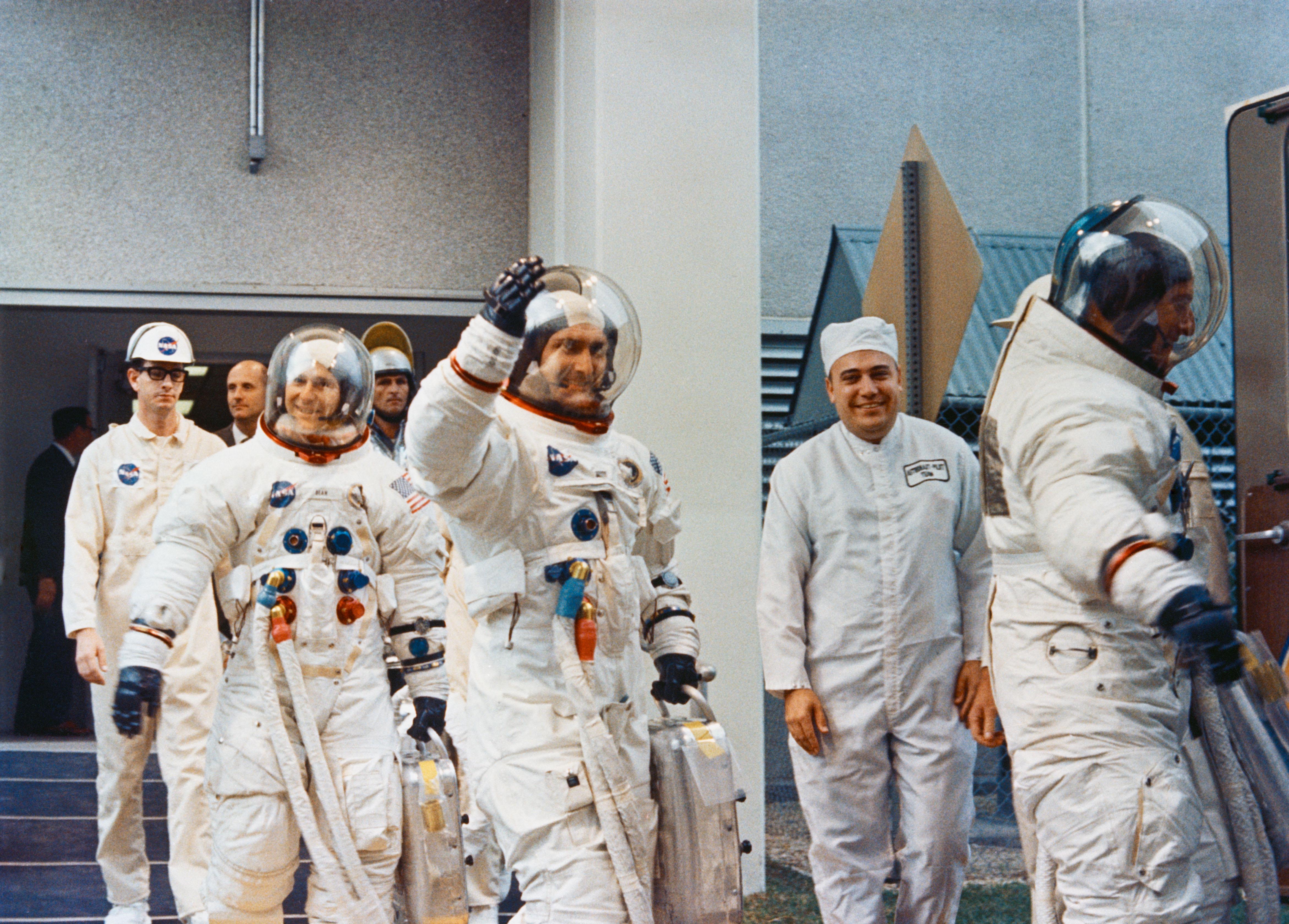 tang astronauts - HD3000×2151