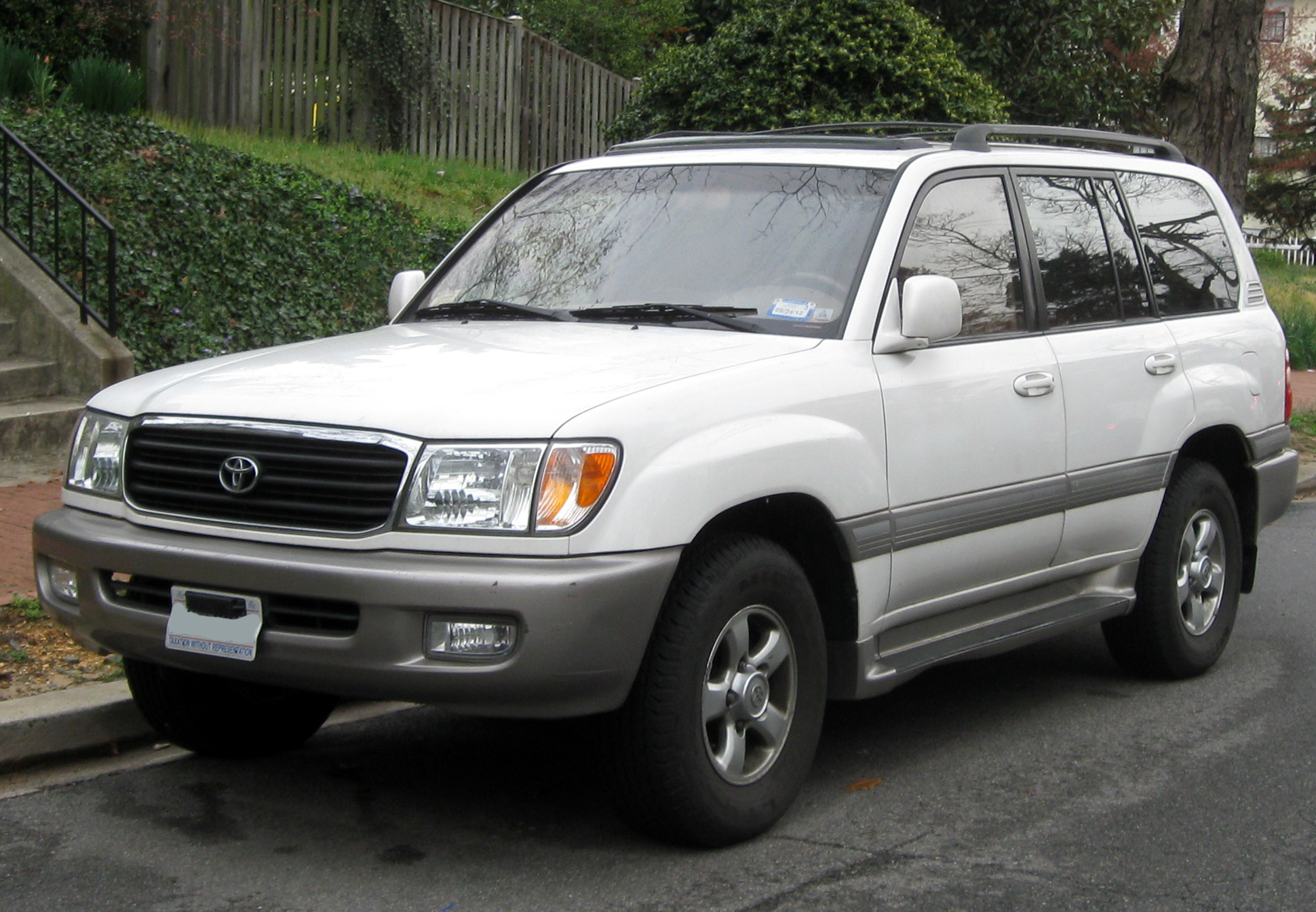 Description Toyota Land Cruiser -- 03-21-2012 1.JPG