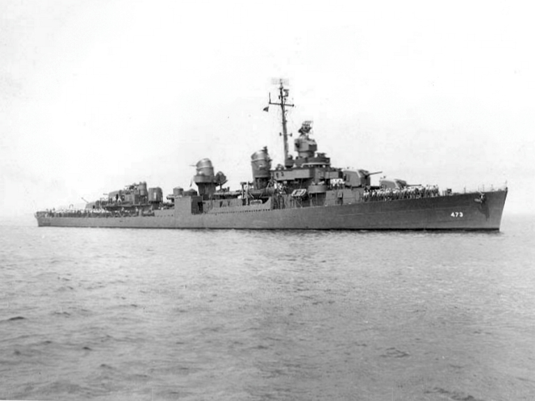 USS Bennett (DD-473) off Boston, Massacusetts (USA), on 7 May 1943.jpg