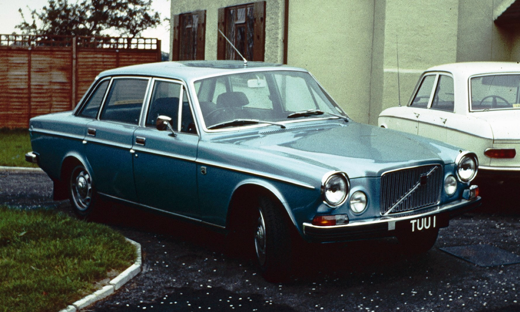 Volvo_164_UK_1970.jpg