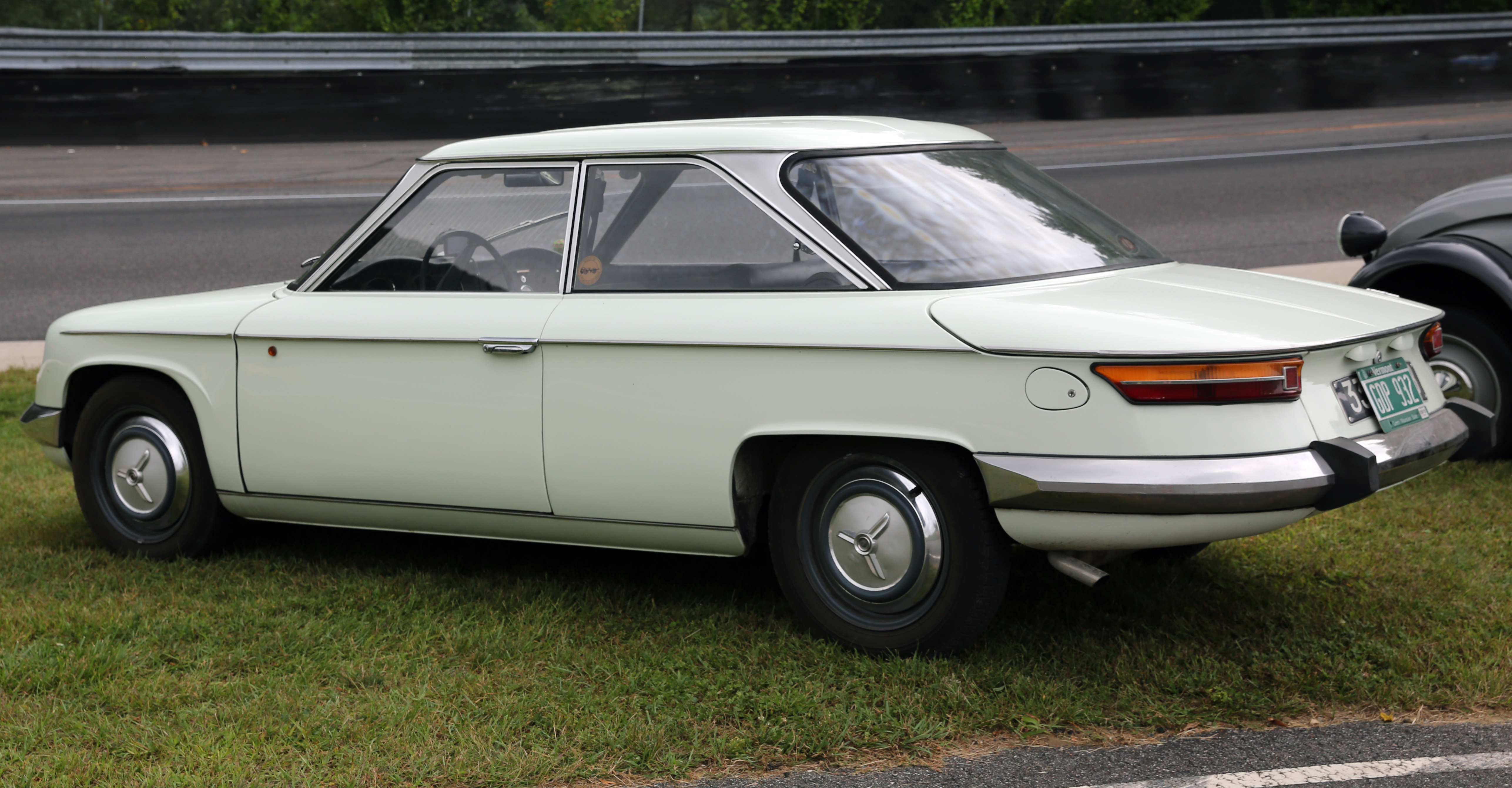 file 1967 panhard 24bt rear left lime rock jpg wikimedia commons. Black Bedroom Furniture Sets. Home Design Ideas