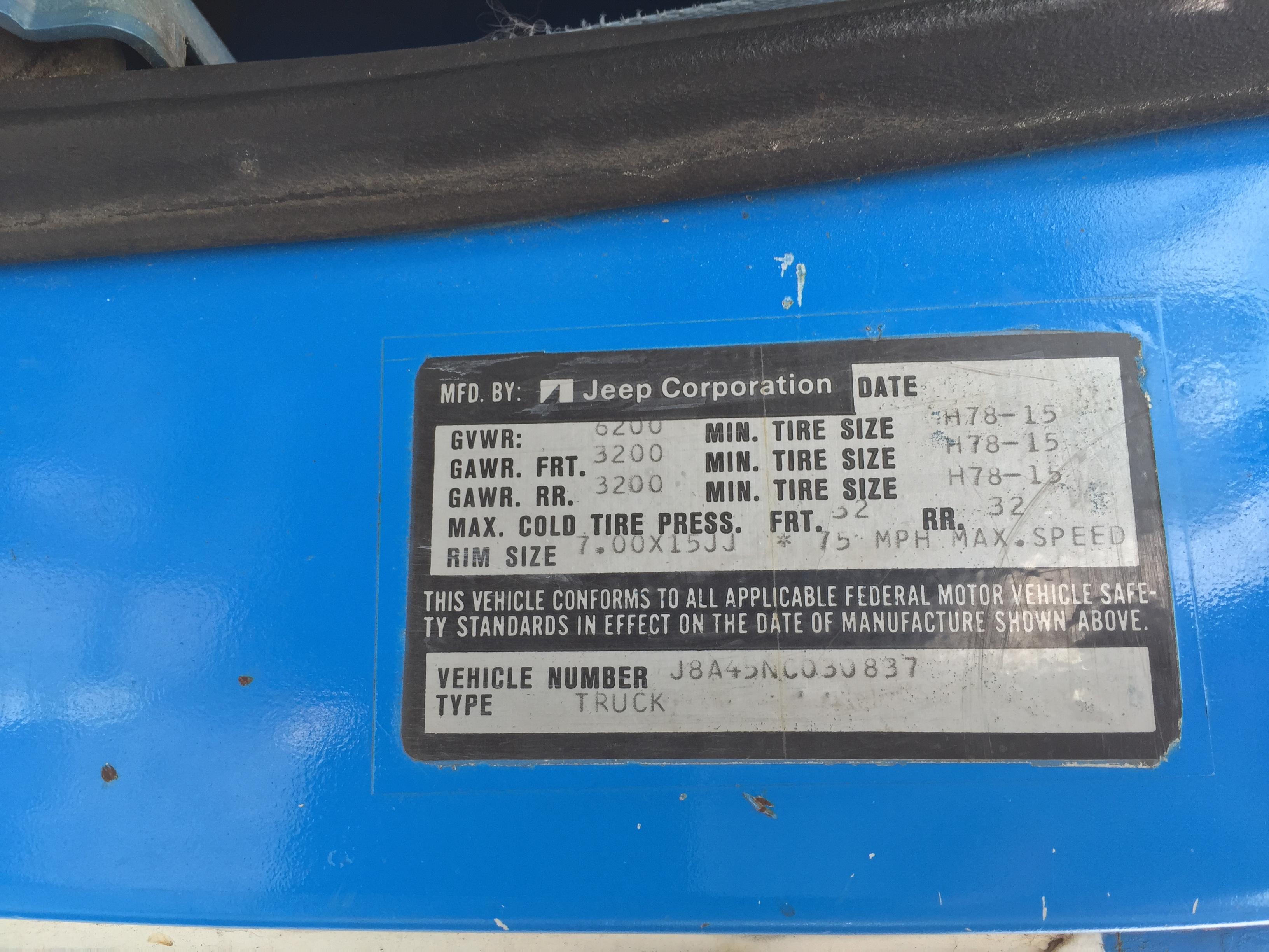 File:1978 Jeep J-10 pickup truck, 131-inch wb, 6200 lbs GVW, 258 CID