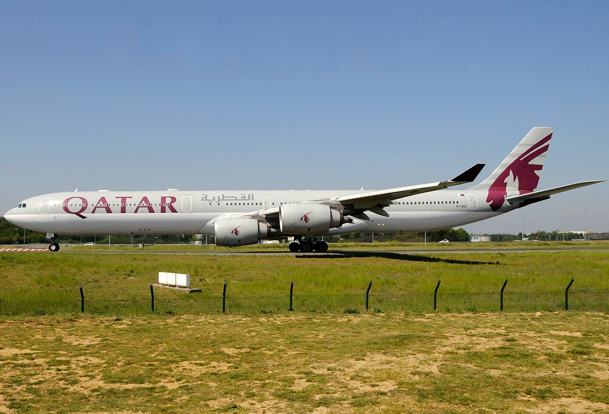 File:Airbus A340-642X, Qatar Airways JP6861066 jpg - Wikimedia Commons